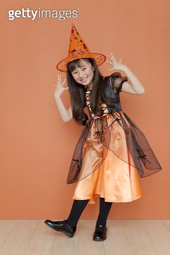 Girl dressed for halloween - gettyimageskorea
