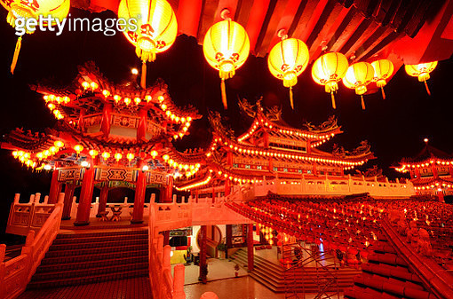 Night scenery with lanterns decoration in Thean Hou Temple. - gettyimageskorea