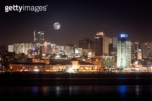 A baixa de Luanda vista da baía - gettyimageskorea