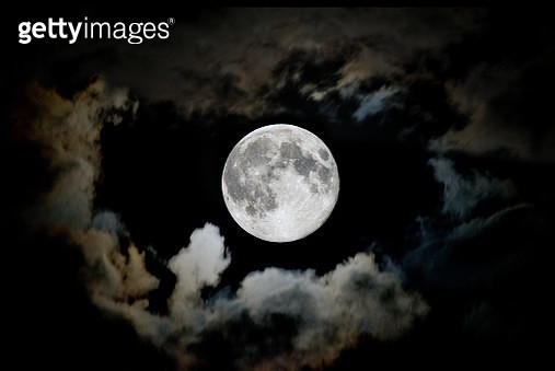 Low Angle View Of Sky At Night - gettyimageskorea