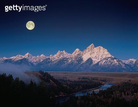 Moon Over Grand Teton National Park - gettyimageskorea