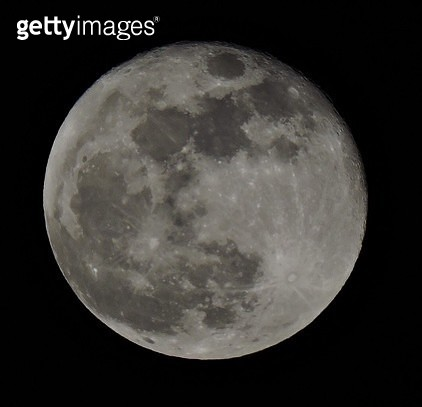 Idyllic Shot Of Moon Surface Against Sky - gettyimageskorea