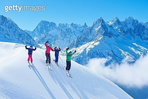 Family on ski trip, Chamonix, France - gettyimageskorea