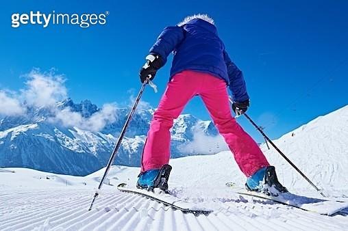 Rear view of skier, Chamonix, France - gettyimageskorea