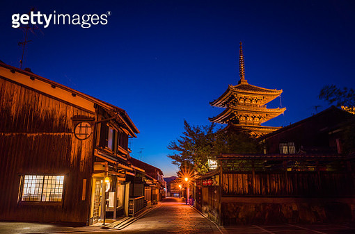 The five story pagoda of Hokan-ji temple - gettyimageskorea
