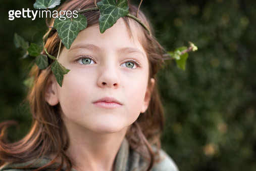 girl with a garland of ivy - gettyimageskorea
