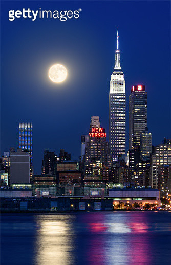 Supermoon and Empire State Building - gettyimageskorea