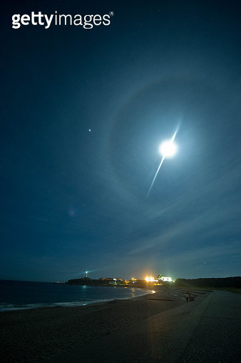 Halo over the beach - gettyimageskorea