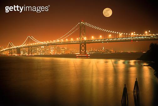 Oakland Bay Bridge, San Francisco Bay skyline - gettyimageskorea