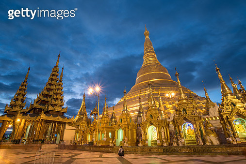 Shwedagon Pagoda at twilight, Yangon, Myanmar - gettyimageskorea