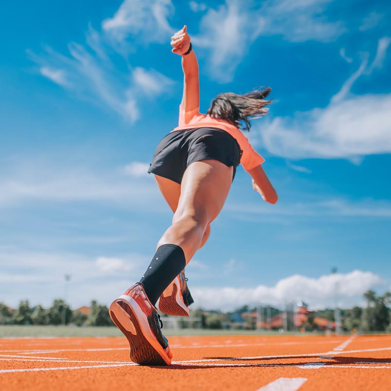 스포츠를 즐기는 여성