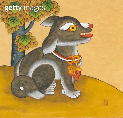 제목 : 문배도-개 (2015년)<br/>소재 : 한지 채색 석채<br/>작품사이즈 : 15x15(㎝)<br/>작품 설명 : 한국화 한지 민화 민속 동물 개 강아지 나무 목걸이 미술작품 - gettyimageskorea