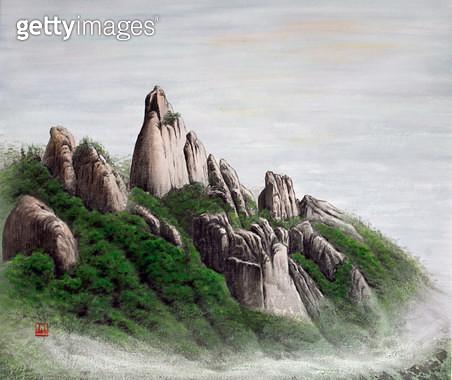 제목 : 사랑이가득한날에 7 (2014년)<br/>소재 : 한지에 채색 수묵<br/>작품사이즈 : 53x45(㎝)<br/>작품 설명 : 초대작가 동양화 한국화 바위 산 나무 풍경 - gettyimageskorea