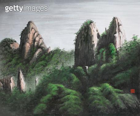 제목 : 사랑이가득한날에 10 (2014년)<br/>소재 : 한지에 채색 수묵<br/>작품사이즈 : 45x37(㎝)<br/>작품 설명 : 초대작가 동양화 한국화  바위 산 나무 풍경 - gettyimageskorea