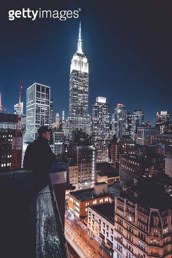엠파이어 스테이트 빌딩과 사람 - gettyimageskorea