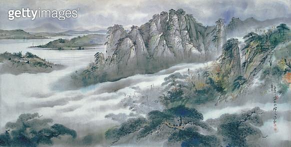 제목 : 설악의운해 (2008년)<br/>소재 : 수묵.담채<br/>작품사이즈 : 259 x 191(㎝)<br/> - gettyimageskorea