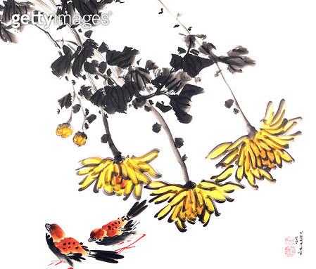 제목 : 국화 (2002년)<br/>소재 : 한지 수묵 채색<br/>작품사이즈 : 50x44(㎝)<br/>작품 설명 : 초대작가 순수미술 그림 미술작품 미술이미지 한국화 수채화 문인화 국화 참새 가을 - gettyimageskorea