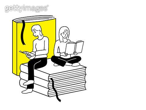 책을 보고 있는 두사람 - gettyimageskorea