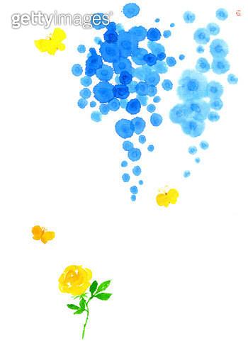 제목 : 장미와 나비 (2015년)<br/>소재 : 먹,물감,화선지<br/>작품사이즈 : 31X43㎝(㎝)<br/>작품 설명 : 노란장미, 나비, 푸른꽃, 바램, 머그림 - gettyimageskorea