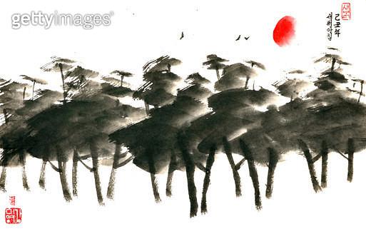 제목 : 소나무 (2009년)<br/>소재 : 한지 수묵 채색<br/>작품사이즈 : 35x24(㎝)<br/>작품 설명 : 초대작가 순수미술 그림 미술작품 미술이미지 한국화 수채화 문인화 해 소나무 연하장  - gettyimageskorea