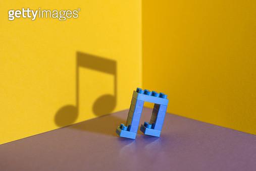 장난감 블럭으로 만든 아이콘 - 음표 - gettyimageskorea