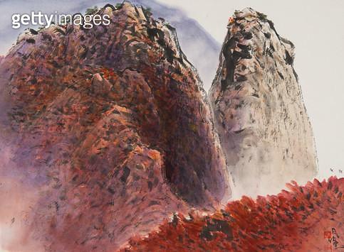 제목 : 북한산 (2014년)<br/>소재 : 한지 수묵담채<br/>작품사이즈 : 45x35(㎝)<br/>작품 설명 : 한국화 수묵담채 풍경화 북한산 바위 가을풍경 - gettyimageskorea