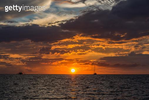 블라복 비치(Blabog Beach) 일출, 필리핀 보라카이(Philippines Boracay) - gettyimageskorea