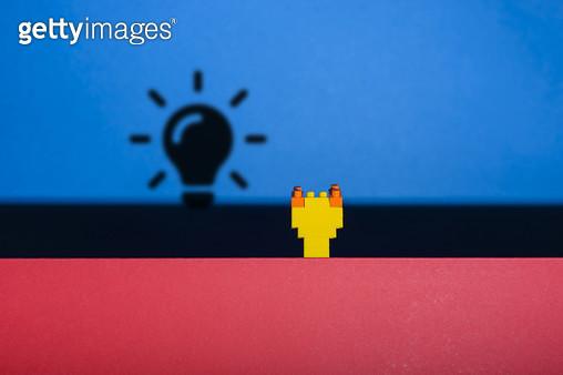 장난감 블럭으로 만든 아이콘 - 아이디어 - gettyimageskorea