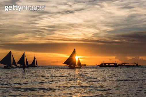 화이트 비치(White Beach) 일몰, 필리핀 보라카이(Philippines Boracay) - gettyimageskorea