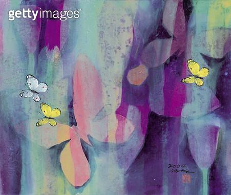 제목 : 축제 (2004년)<br/>소재 : 한지 채색 석채<br/>작품사이즈 : 45x38(㎝)<br/>작품 설명 : 한국화 한지그림 축제 나비 꽃 채색화 석채화 원로작가  - gettyimageskorea