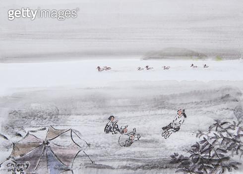제목 : 바다 (2015년)<br/>소재 : 한지 수묵담채 채색<br/>작품사이즈 : 33x24(㎝)<br/>작품 설명 : 원로중진 한지 한국화 바다 갈매기 휴식 모래사장 바닷가 풍경 - gettyimageskorea