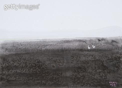 제목 : 바다 (2015년)<br/>소재 : 한지 수묵담채 채색<br/>작품사이즈 : 33x24(㎝)<br/>작품 설명 : 원로중진 한지 한국화 바다풍경 바다새 바닷가 풍경 - gettyimageskorea