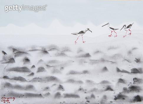 제목 : 바다 (2015년)<br/>소재 : 한지 수묵담채 채색<br/>작품사이즈 : 33x24(㎝)<br/>작품 설명 : 원로중진 한지 한국화 바다풍경 바다새 바닷가 풍경 구름 - gettyimageskorea