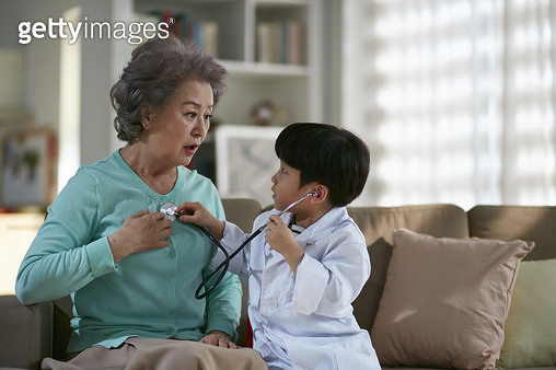 노년육아 - gettyimageskorea