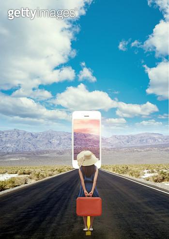 핸드폰속에 또다른 세계 - gettyimageskorea