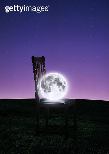 의자위에 달 - gettyimageskorea