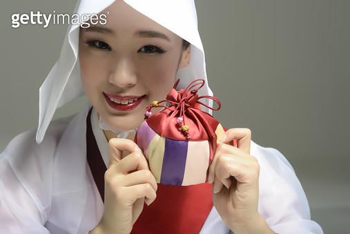 한국전통무용 승무,복주머니,신년,구정,선물 - gettyimageskorea