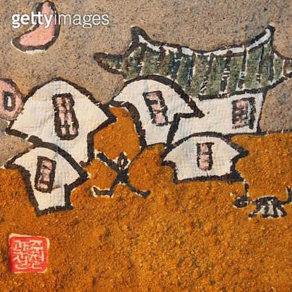 제목 : 자연-인간 (2010년)<br/>소재 : 한지 석채 먹 닥종이<br/>작품사이즈 : 30호(㎝)<br/>작품 설명 : 원로작가 한국화 한지 닥종이 석채화 자연 인간 삶 사랑 형상 - gettyimageskorea