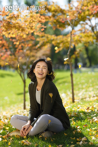 Beautiful young women in the outdoors - gettyimageskorea