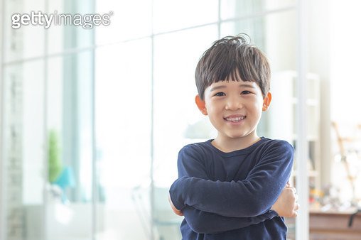 웃고있는 남자 어린이 - gettyimageskorea