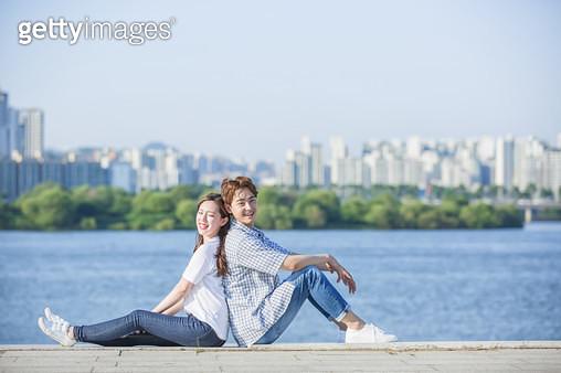 한강공원 학생 커플 - gettyimageskorea