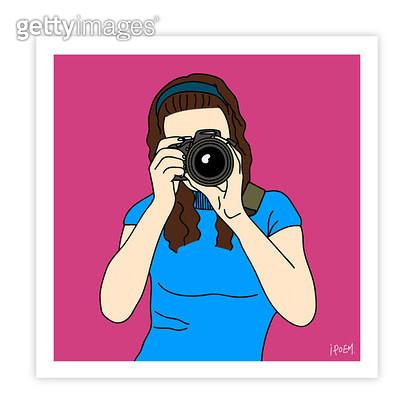 촬영하는 여자 앞모습 - gettyimageskorea