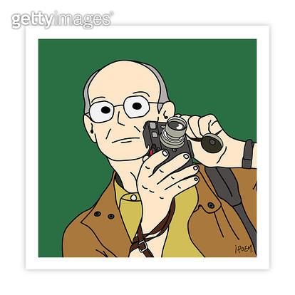 카메라를 들고있는 앙리 까르띠에 브레송 - gettyimageskorea