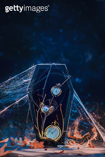 Black coffin with clock dials and spider webs. Death and procrastination concept. Fleeting time still life with copy space - gettyimageskorea