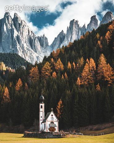 santa maddalena church in val di funes - gettyimageskorea