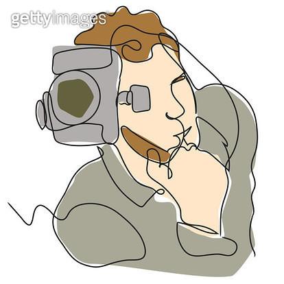 촬영하는 남자 앞모습 - gettyimageskorea