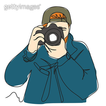 촬영하는 젊은 남자 앞모습 - gettyimageskorea