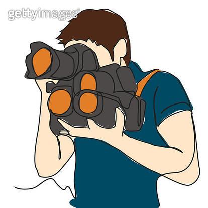 4개의 카메라를 들고 촬영하는 남자의 모습 - gettyimageskorea