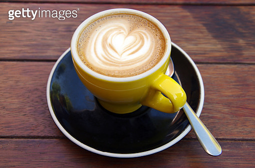 Flat white coffee at an outdoor cafe - gettyimageskorea