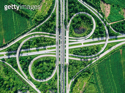 Road beautiful Aerial View of Busy Intersection , top view , thailand . - gettyimageskorea